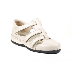 Wilcot Ladies Extra Wide Strap Shoe